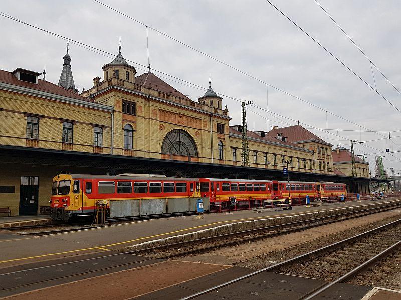 Osijek Pecuh I Budimpesta Povezani Vlakom